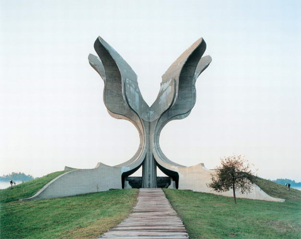 Mysterious concrete sculpture monuments in former Yugoslavia, photographed by Belgian photographer Jan Kempenaers.