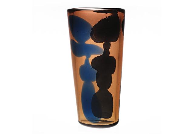 A mid-century modern 1950's Venetian glass vase designed by Italian artist and designer Fulvio Bianconi for Venini.