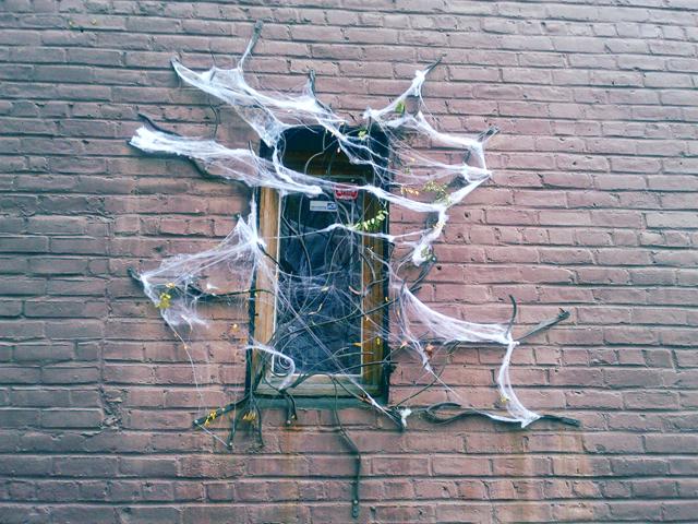 Cool Halloween inspired diy ghost windows.
